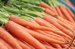 320px-Carrots